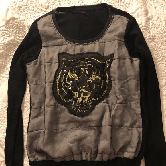 Sweaters - 🐯wool sweater with tiger🐯